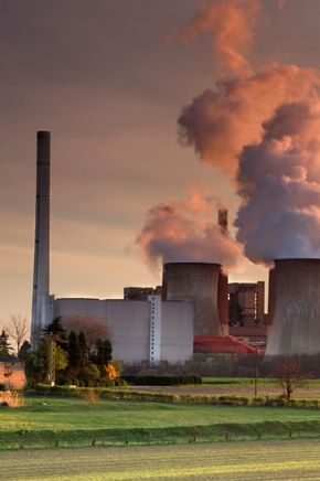 stock-photo-4202066-coal-fired-powerstation[1]
